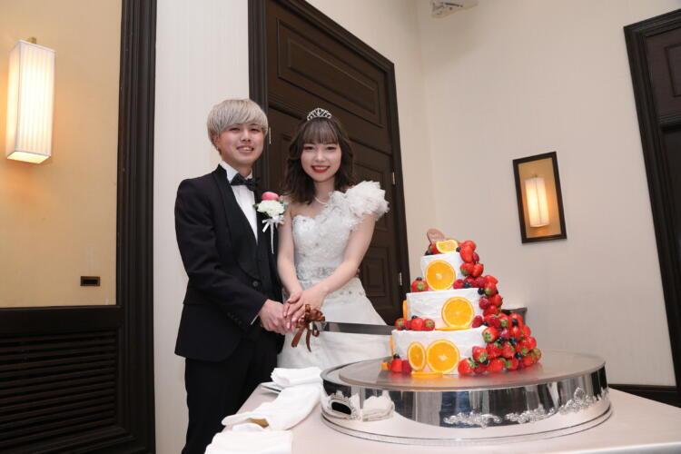 ホワイト×ブラックのウェディングケーキ♪